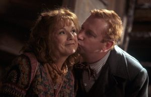 Molly-and-Arthur-Weasley-harry-potter-37736074-960-618